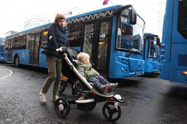 Порядка 250 маршрутов столичного транспорта переведут натактовое движение