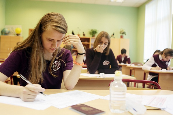 Неменее 600 столичных школ проведут независимую проверку знаний воспитанников